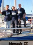 L'équipage du Nomade II lors de la traversée de 2008: le skipper Serge Paul, les équipiers Chantal Massicotte et Germain Gobeil